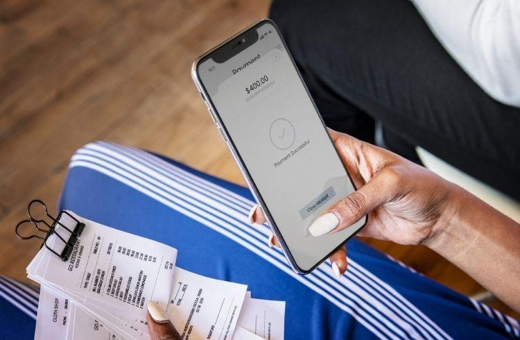 A women using a financial service application