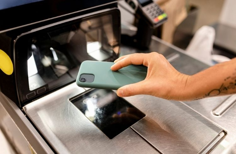 Customer paying using a fintech app